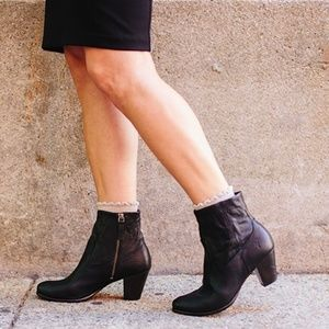 NWOB Frye Paulina Artisan Zip Leather Bootie